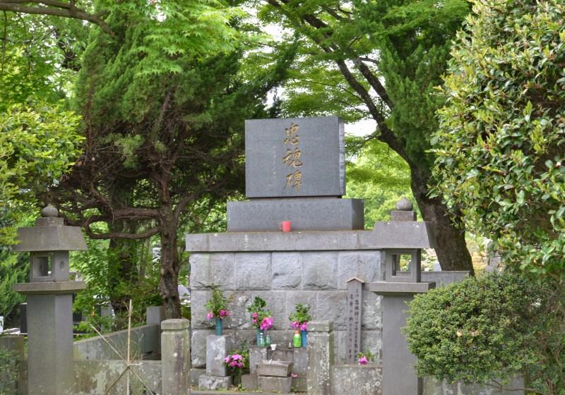小峰墓地散策_a0016161_2273572.jpg