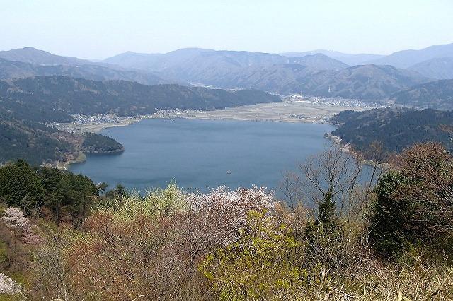 余呉湖と賎ケ嶽_b0044663_0355584.jpg