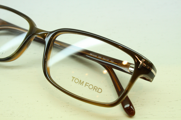 「TOM FORD FT5209」_f0208675_19294050.jpg
