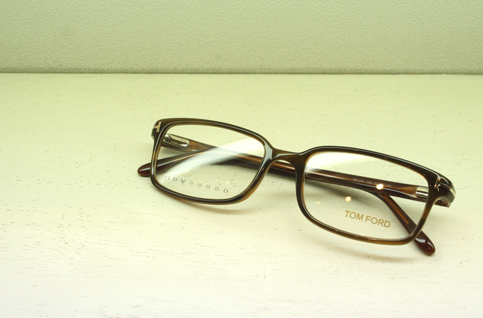 「TOM FORD FT5209」_f0208675_201018100.jpg