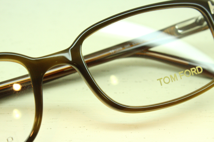 「TOM FORD FT5209」_f0208675_20105742.jpg