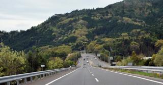 5時間かかってたこのルートも北近畿道が延びてきて4時間は...._b0194185_22503243.jpg