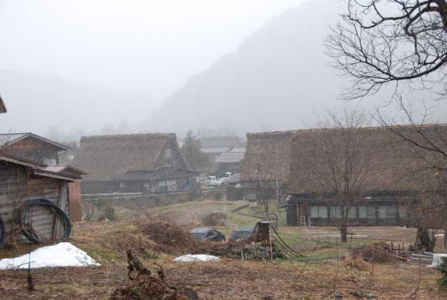 今頃ですが白川郷の写真です_b0120492_15555919.jpg