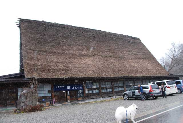 今頃ですが白川郷の写真です_b0120492_16105084.jpg