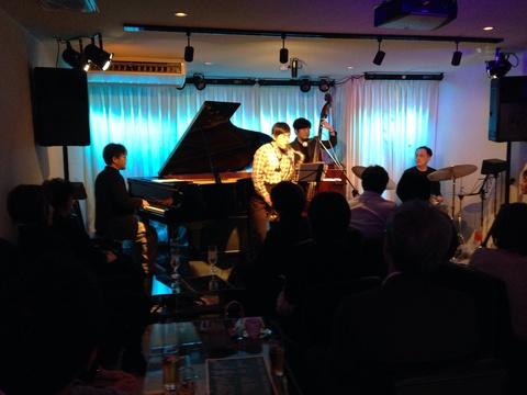 Jazzlive comin 広島  本日 火曜日のライブ。_b0115606_11401619.jpg