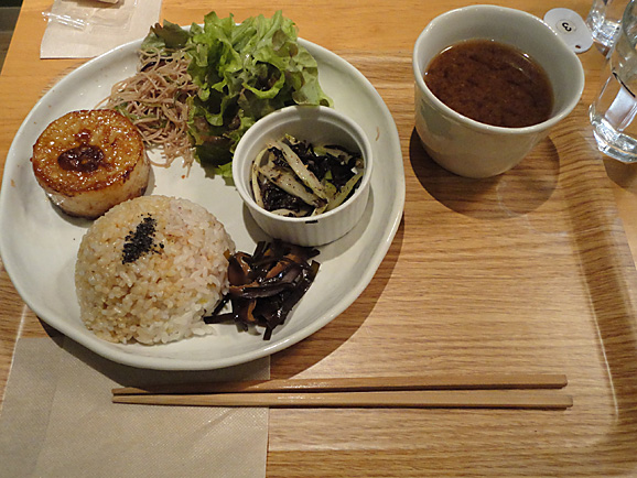 LIMA CAFEでマクロビご飯_e0230011_22365016.jpg