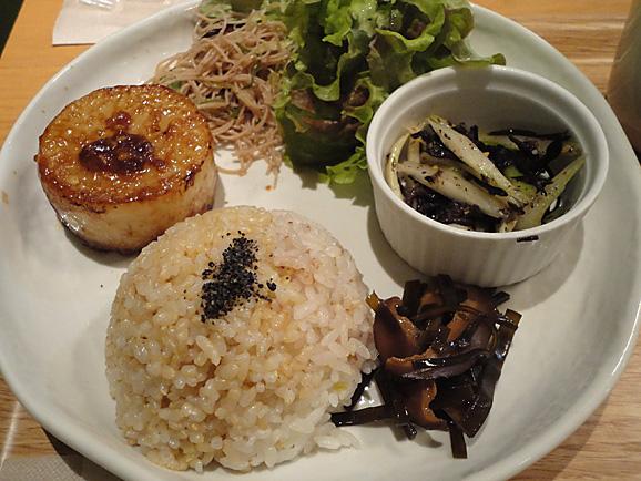 LIMA CAFEでマクロビご飯_e0230011_22372393.jpg