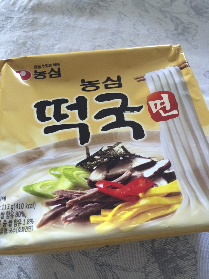 韓国インスタント麺 農心「トック麺」を試す_f0062122_810628.jpg