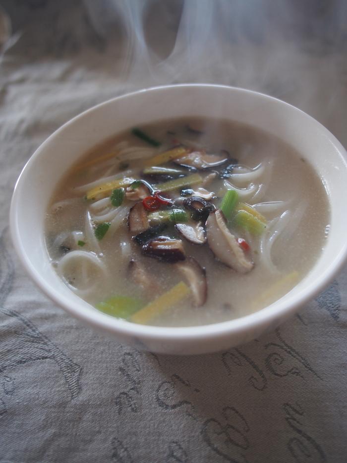 韓国インスタント麺 農心「トック麺」を試す_f0062122_8113825.jpg