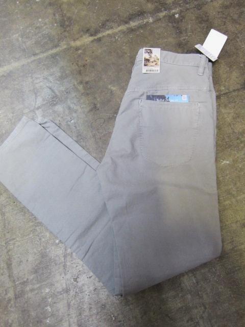 絶大なる人気定番の1本! KHAKI SLIM PANTS 。。。By NUDIE JEANS_d0152280_1628326.jpg