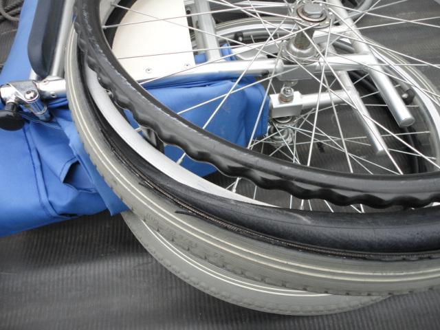 車いすの修理もやりますよ_b0189682_12124779.jpg
