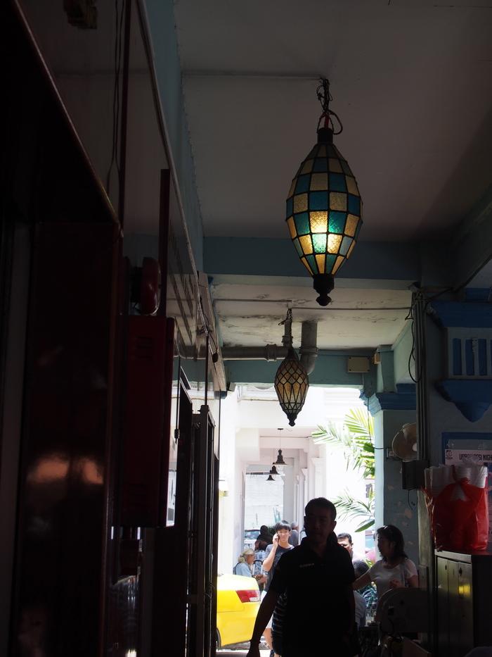 2014 3月 シンガポール (20) アラブストリートは原色が映えるな〜_f0062122_16362020.jpg
