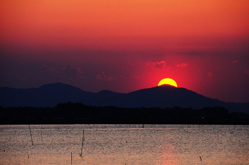 The silent sunset at spring lakeside_b0230131_11355843.jpg
