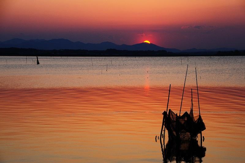 The silent sunset at spring lakeside_b0230131_11363820.jpg