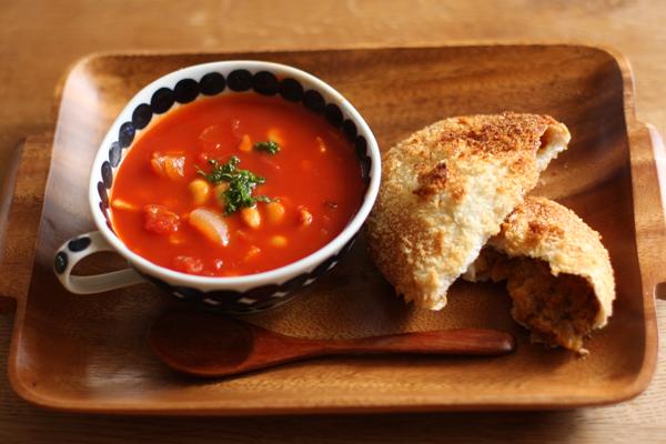 先日のアイシングクッキー教室と焼きカレーパンとか胡桃入りパンとか_f0149855_5553640.jpg