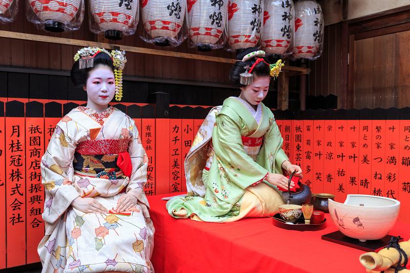 舞妓さんのお茶会(観亀神社)_f0155048_23402715.jpg