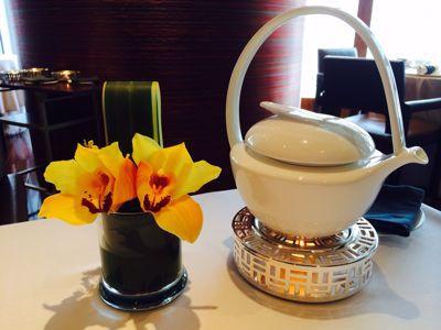 今度は優雅な飲茶 at 龍景軒_c0116778_7561186.jpg
