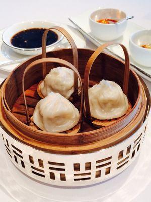今度は優雅な飲茶 at 龍景軒_c0116778_7561337.jpg