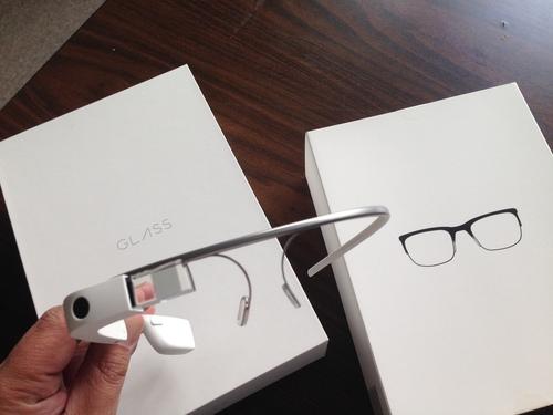 Google Glassは今までのライフスタイルが一変するような革命になるのでしょうか。_f0088456_225071.jpg