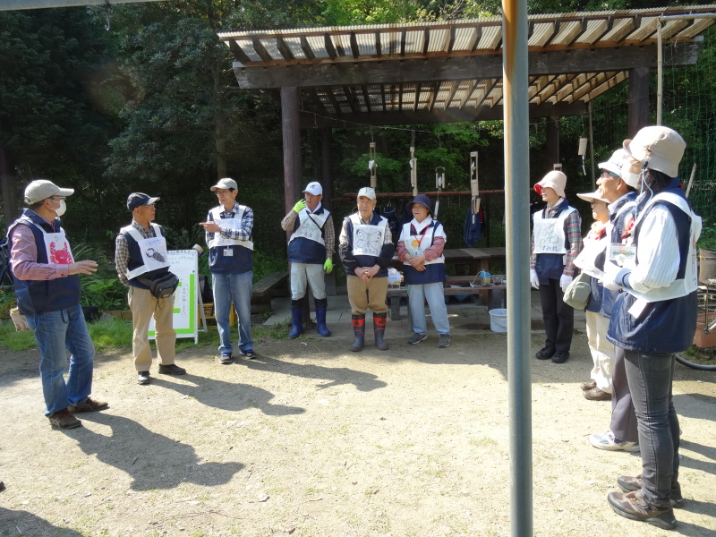 多奈川小学校1・2年生遠足サポート   in  うみべの森_c0108460_16331125.jpg