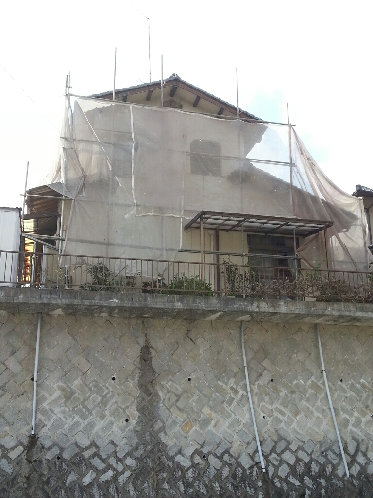 T様邸(佐伯区)外壁塗装および波板張替工事_d0125228_10543517.jpg
