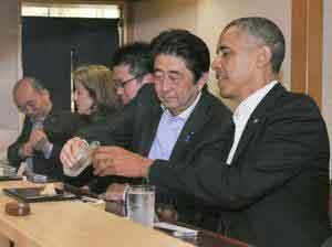 続『オバマ大統領は寿司を半分しか食べなかった』/ 画像の男性_b0003330_0545595.jpg