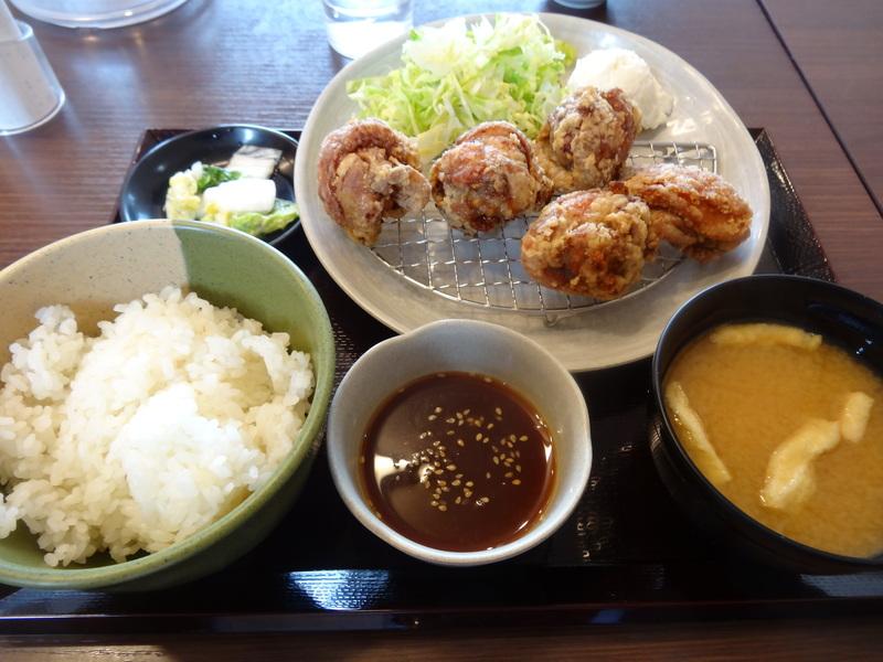 富里は七栄の交差点近くにある鶏唐揚げ専門店、390円から楽しめます。_c0225997_15738.jpg