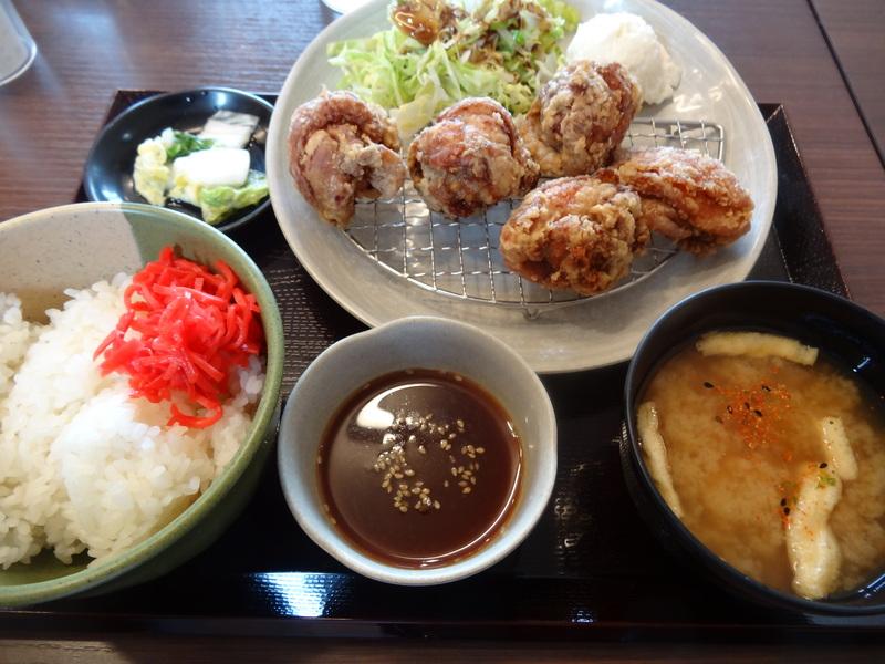 富里は七栄の交差点近くにある鶏唐揚げ専門店、390円から楽しめます。_c0225997_2245974.jpg