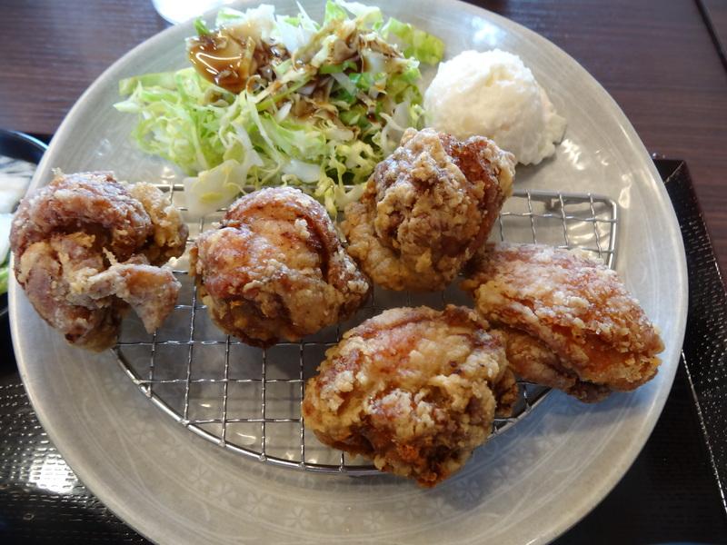 富里は七栄の交差点近くにある鶏唐揚げ専門店、390円から楽しめます。_c0225997_230158.jpg