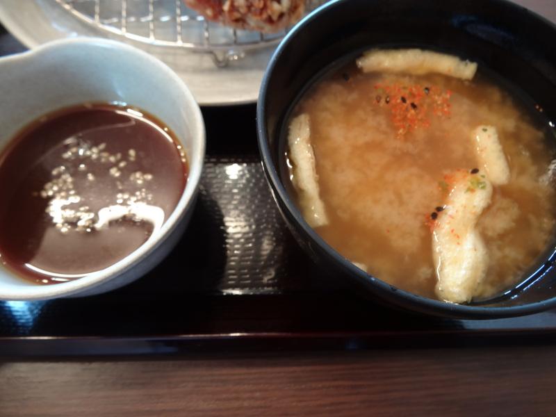 富里は七栄の交差点近くにある鶏唐揚げ専門店、390円から楽しめます。_c0225997_2374263.jpg