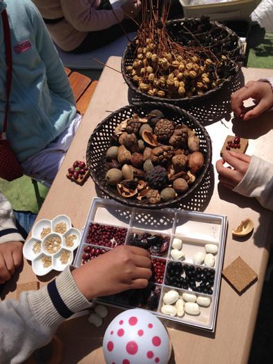 【活動レポート】2014年4月6日 タマコチマルシェにて、自然素材でブローチ作り_f0224207_20512159.jpg