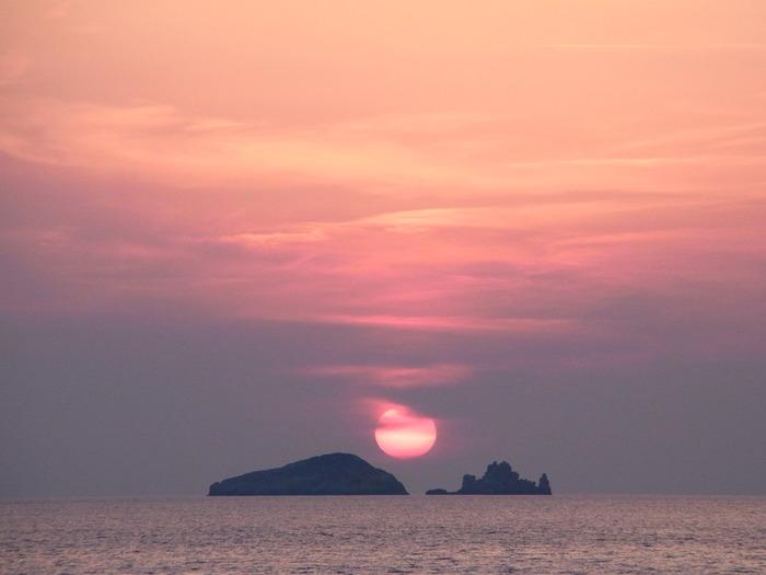 """イビサ島の絶景ビーチ、カラ・コンテ\""""Cala Comte\""""_d0116009_1115578.jpg"""