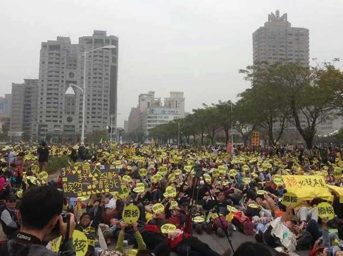 台湾の学生や市民による住民運動が世界一の民主国家・台湾を実現_d0174710_1665478.jpg