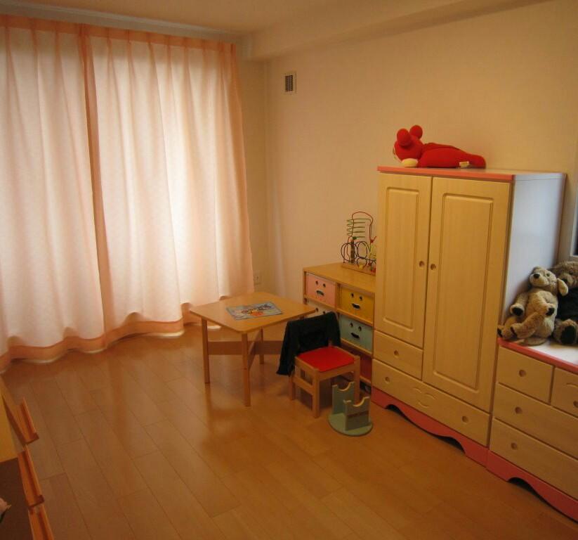 子供部屋のピンクのカーテン_c0103137_639454.jpg