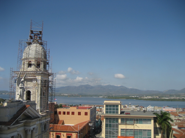 blog;サンティアゴ・デ・クーバ便り2014(3月の日記に少し写真を掲載しました。)_a0103940_21045490.jpg