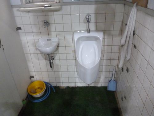 洗面器から小便器と手洗器にリフォーム_e0184941_15171086.jpg