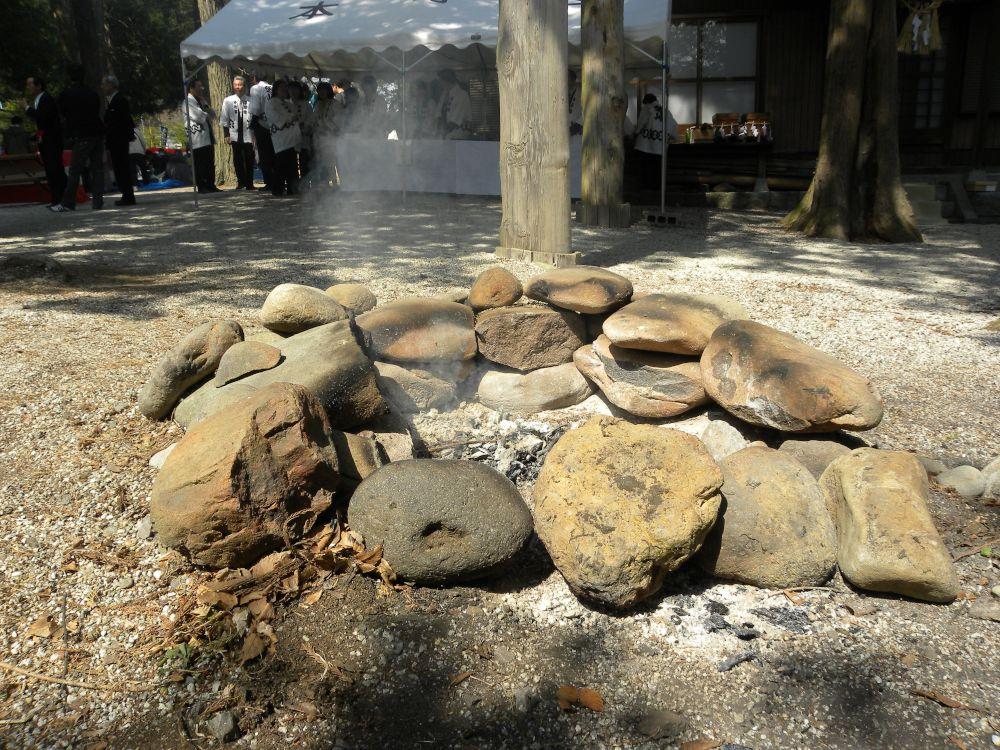 御座石(ございし)神社のどぶろく祭り_b0329588_11474937.jpg