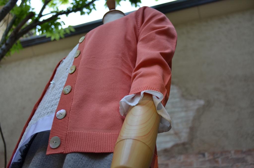 """""""クロップドブラウスにミディ丈サーキュラースカートで。。。""""_d0153941_190425.jpg"""