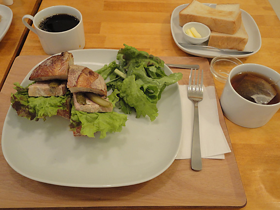 パンとcafe えだおねでランチ_e0230011_17245891.jpg