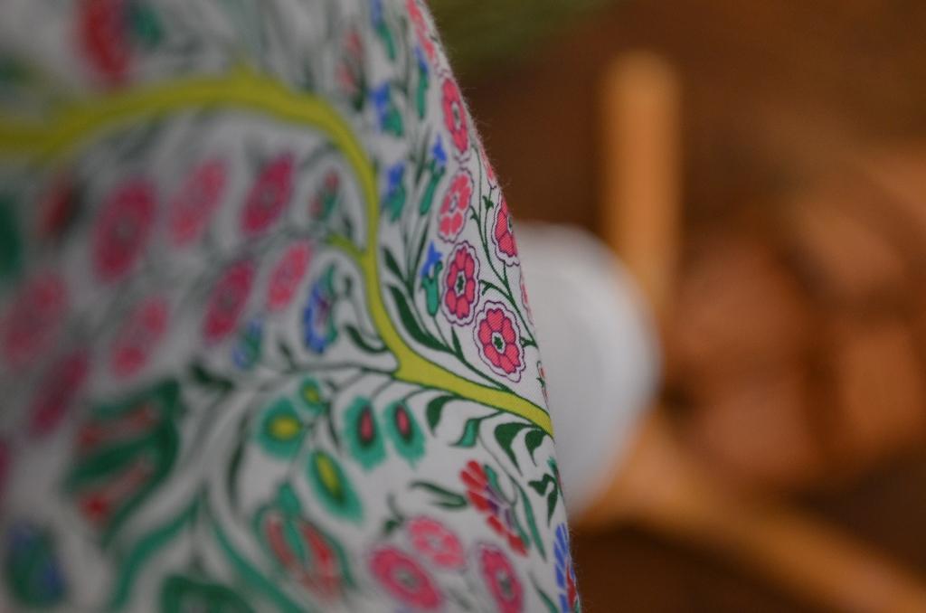 """""""小花柄リバティペプラムブラウスに変形カーディガンを。。。""""_d0153941_172668.jpg"""