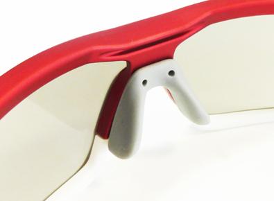 1つのフレームで2つのスタイルを楽しめる日本製スポーツグラスSWANSニューモデルSTRIX・Iリリース!_c0003493_9535816.jpg