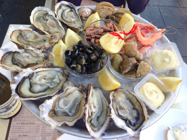 Nizza ニース観光② 生牡蠣の店@ Côte d\'Azur 南フランス、コート ダ ジュールの旅_b0246303_21263221.jpg