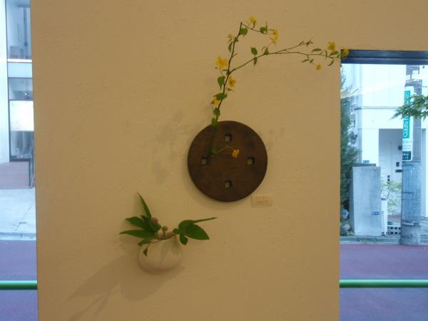 お花を入れました_b0132442_18304477.jpg