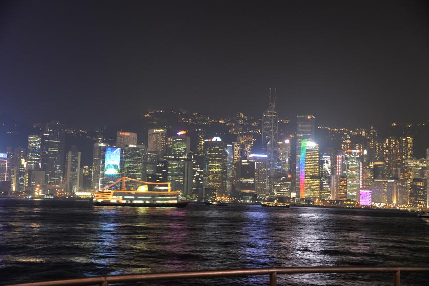 香港チムサーチョイの夜景バーAqua_a0175348_9131955.jpg