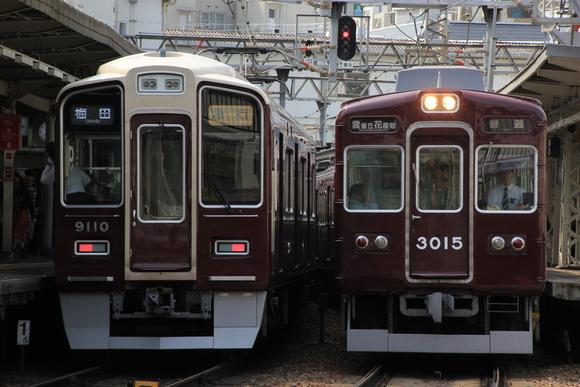 阪急3064F! 十三駅にて!_d0202264_7272060.jpg