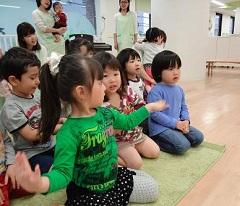 西新宿園 今年度最初の音楽会_a0267292_138349.jpg