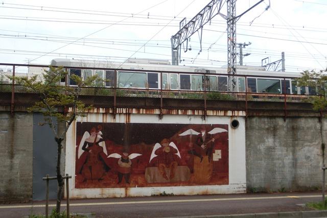 山陽本線鉄道沿線壁画展覧会、素晴らしいです!JR鷹取駅の壁画、山陽本線神戸貨物ターミナルの壁画に注目_d0181492_22144771.jpg