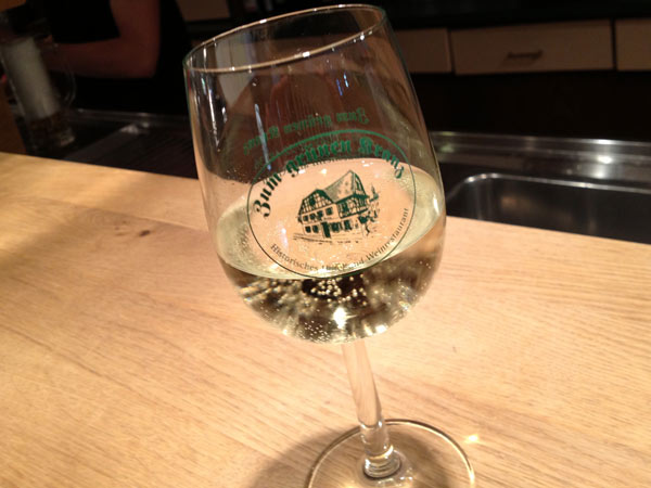 No.55 9月27日 リューデスハイム、歴史的なワインホテル_a0047200_23321214.jpg