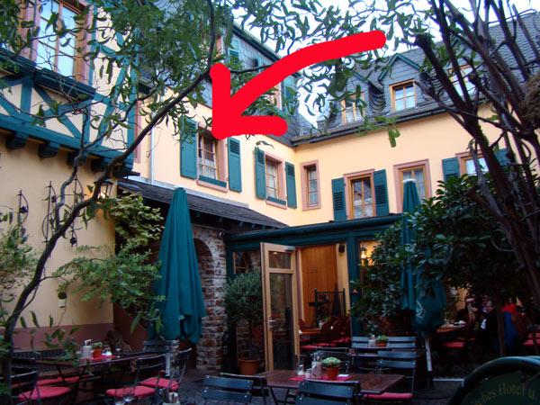No.55 9月27日 リューデスハイム、歴史的なワインホテル_a0047200_23321242.jpg