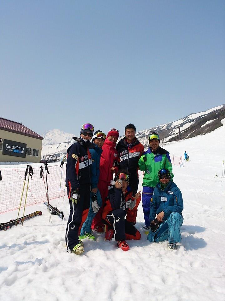 まだまだ春スキー!_c0087410_11225153.jpg